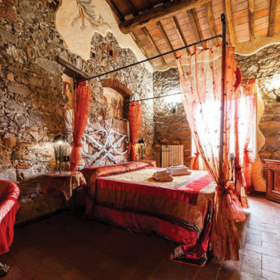 Camera Matrimoniale Stile Antico.Corte Dei Folletti Antico Hotel Medievale Alle Porte Di Lucca